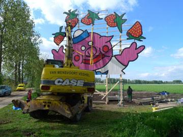 Op lokatie, Het varken jonglerend met Aarbeien