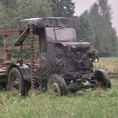 150 zdj�� traktorów skonstruowanych w�asnor�cznie przez mieszka�ców Podhala