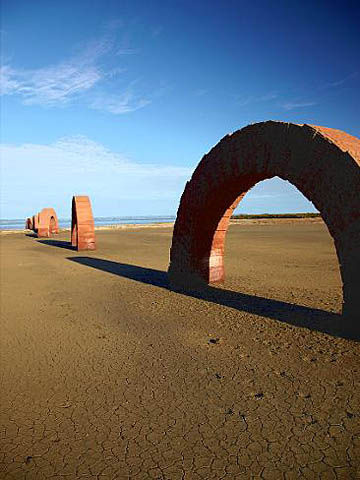 587295-arches