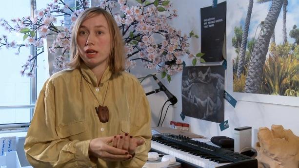 Melanie-Bonajo-genomineerde_portret_still-uit-videoportret-Melanie-Bonajo_MvdrLippe-2013_300