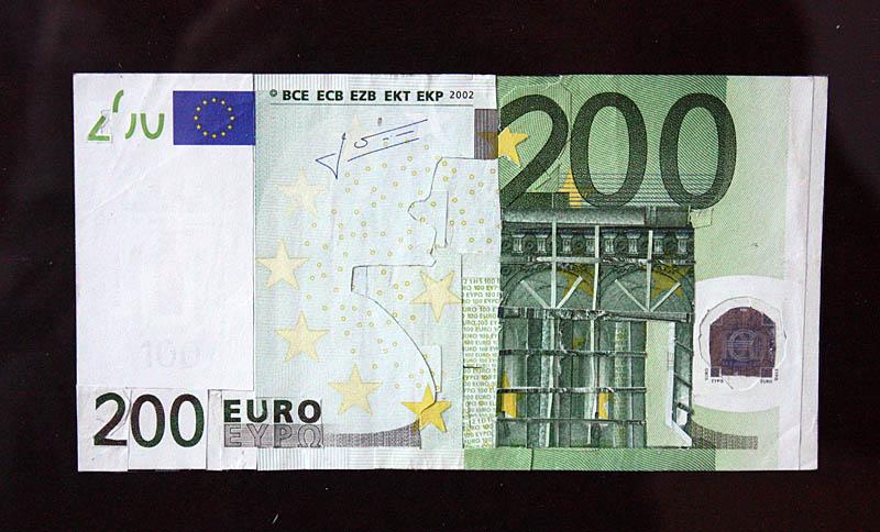 1 Counterfeit - 200 Euro - Jasper van Es (1)