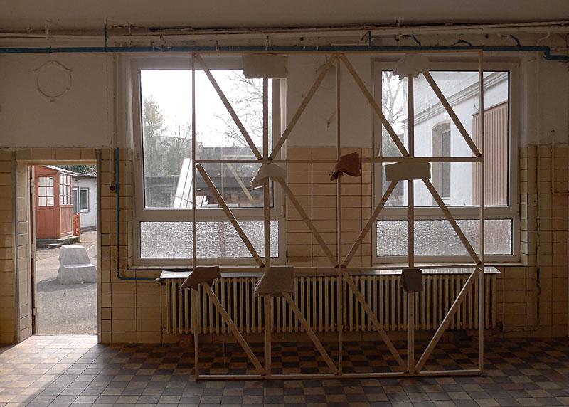 dutchtreat_sculptuur buiten Bernd Trasberger_installatie Maarten Janssen