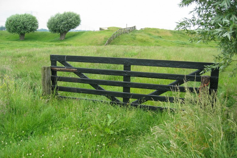 Boerenverstand-Field-gate-in-situ-780x5191