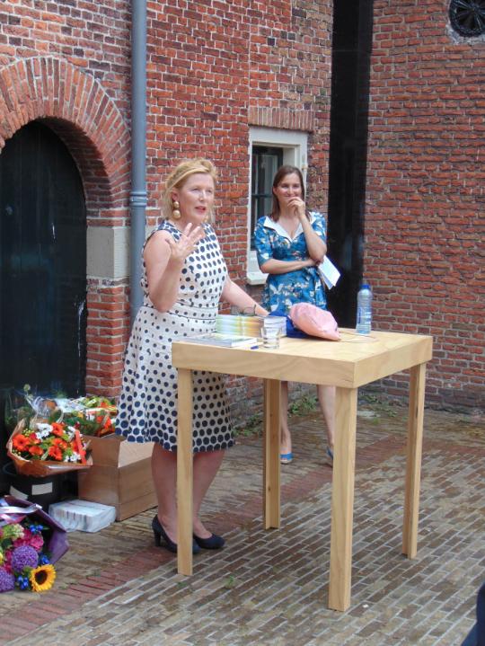 Suzanne Oxenaar_Jantine Wijnja