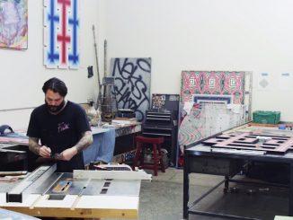 Revok in zijn atelier