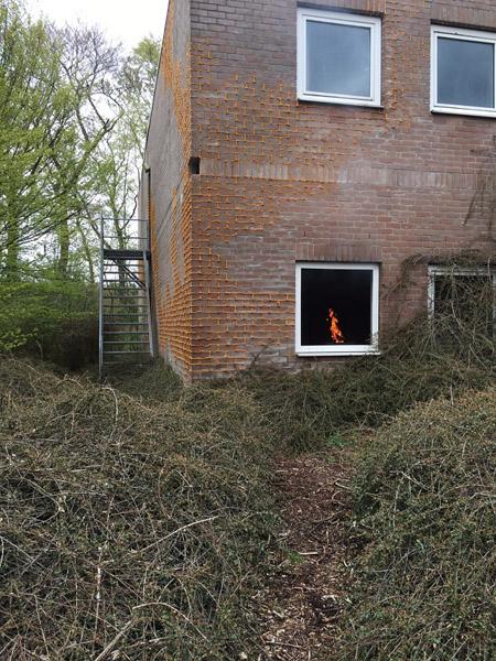 6. Vuur in huis, Code Rood