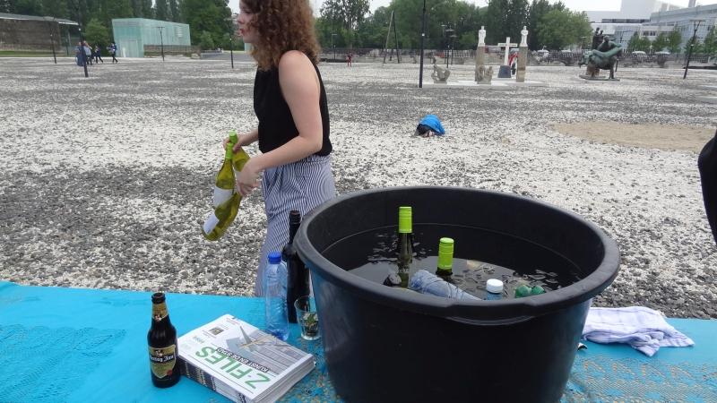 17 lekker bier was snel op met zoveel mensen op een warme dag DSC00714