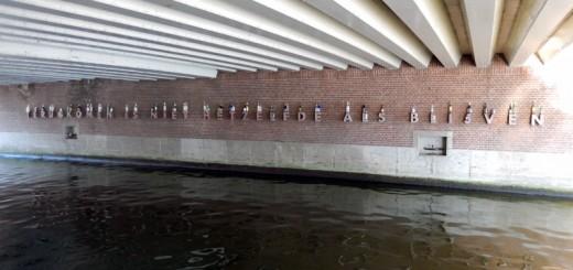 Een-lekker-wijntje-bij-Amsterdam-Centraal_01