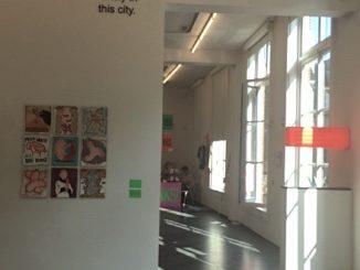Aantrekkelijke tentoonstelling 'Dutch Art with Text & Humor? NO THANKS!' in Utrecht